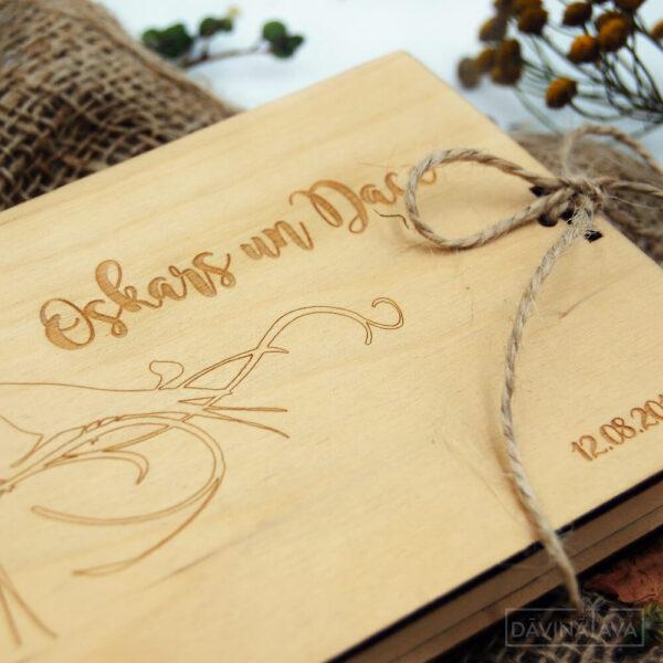naudas aploksne no koka, kravēta naudas kastīte, personalizēta dāvana kāzām