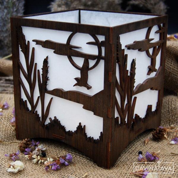 dekoratīva koka kastīte ar gaismiņām, koka svečturis, koka kastīte ar putniem